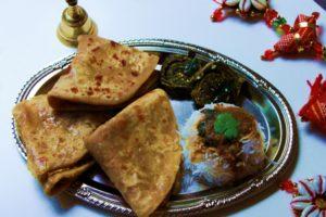 Puranpolis: Tuck it in, it's Holi after all!